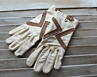 Vintage! Gloves. Hand lovers tag inside. Very nice gloves! 1950s.