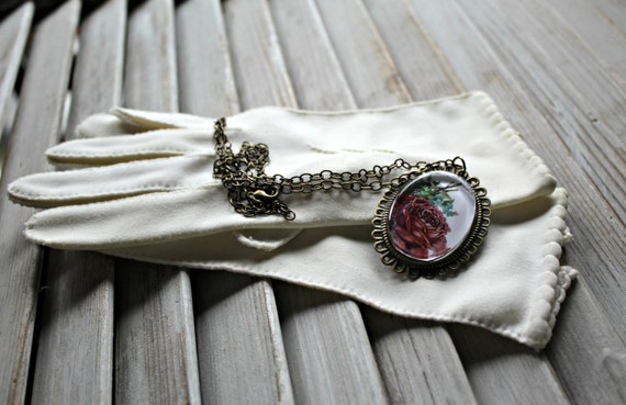 Vintage. White. gloves. With Handmade necklace. 19