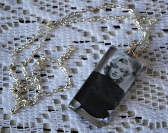 Marilyn Monroe necklace. Vintage style. HandmadeGlass pendant/Black and white photo.