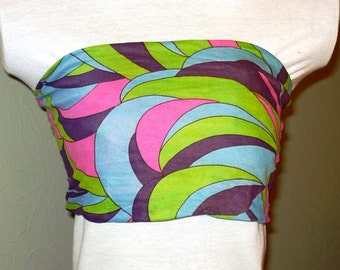 Fabulous crazy print on this orginal 1970s tube top. You gotta have this for your retro collection!