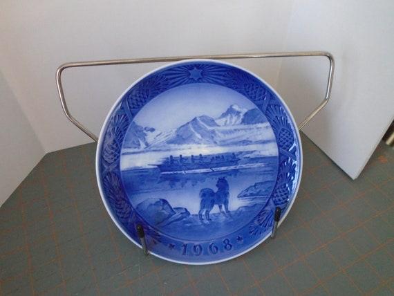 The Last Umiak ROYAL COPENHAGEN 1968 Christmas Plate