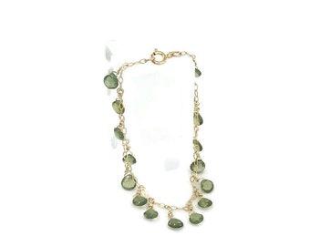 "Beautiful Peridot Green charm bracelet, 8"""