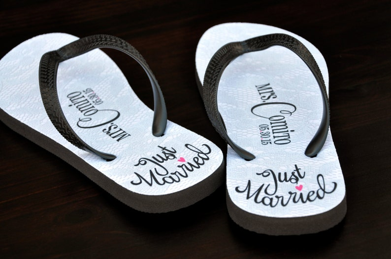 18d76bec9f56f Custom Wedding Flip Flops Bridal Flip Flops Wedding Bride