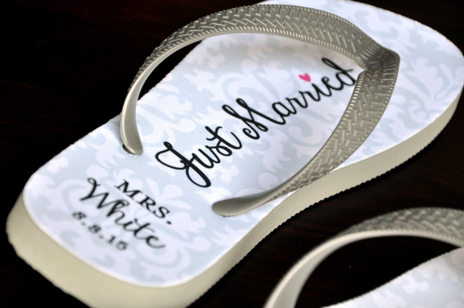 af47b1eafc649 Custom Wedding Flip Flops Bride Flip Flops Custom Flip