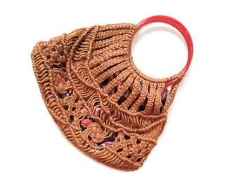 Vintage Tan Macramé Crochet Handbag with Lucite Handle // Vintage Boho Purse // Vintage Boho Chic Handbag // Tan Crochet Purse with Purple