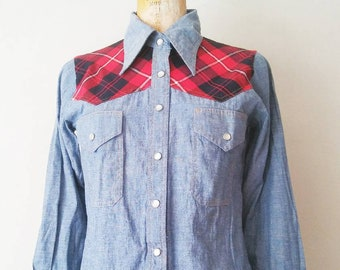 Vintage 1970s Cotton Blue Red Plaid Western Style Blouse // Vintage Western Cowgirl Blouse // 70s Blue Red Snap Cowgirl Blouse // Small