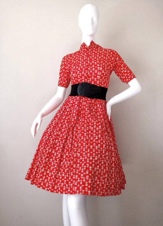 Vintage 1950s Lanz Red Rose Print XXS Tiny Dress … - image 2