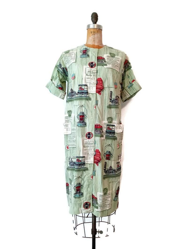 Vintage 1960s Train Novelty Print Snap Housecoat  Medium Choo Choo Train Dress by Models  Green Train Print Snap Dress  38B 30W 40H