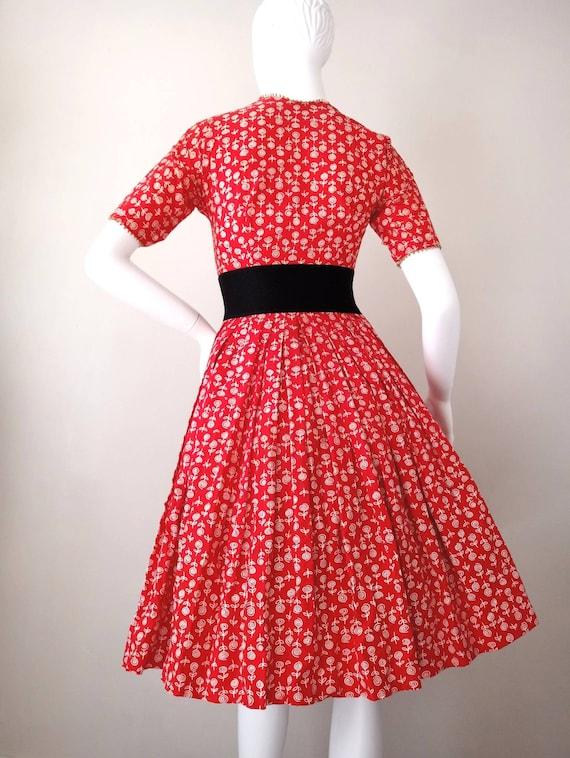 Vintage 1950s Lanz Red Rose Print XXS Tiny Dress … - image 5
