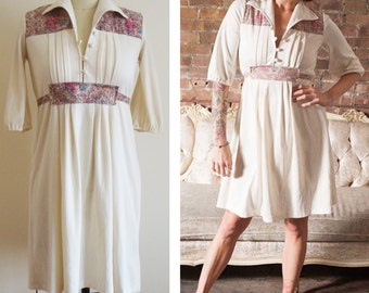 2d269b10bbeb Vintage 1970s White Ditzy Floral Pieced Dress Size S or M Small or Medium