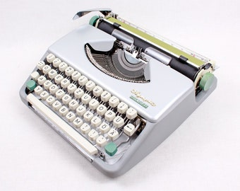 OLYMPIA Splendid 33 Portable and Manual Typewriter  - Custom Made Pastel Colour - Qwerty Leyout - Refurbished