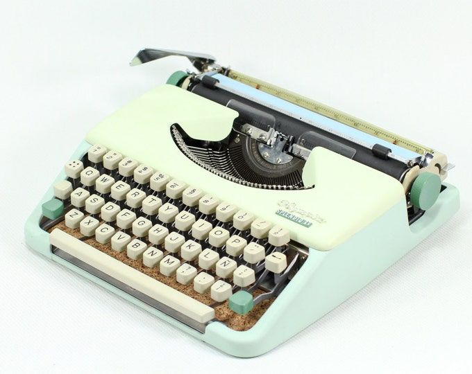 BEST GIFT! OLYMPIA Splendid 33 Portable and Manual Typewriter  - Custom Made Pastel Colour - Qwerty Leyout - Refurbished  -