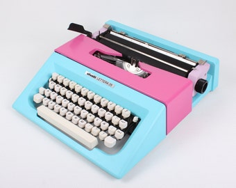 OLIVETTI LETTERA 25 - blue / lilac /pink vintage typewriter - working typewriter - portable typewriter - manual typewriter