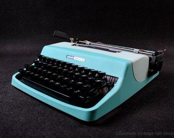BEST GIFT! Working typewriter - Gift  - Olivetti Lettera 32 - mint green Vintage Manual working typewriter - qwerty