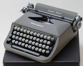 REMINGTON JUNIOR RITER perfectly working vintage typewriter - Professionally Serviced