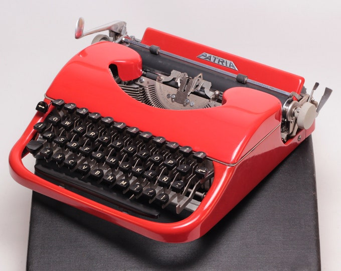 RARE PATRIA - RED - mint condition perfectly working vintage typewriter - Professionally Serviced
