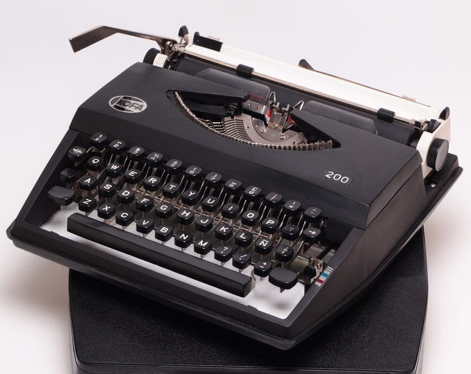 KOFA 200 - black perfectly working vintage typewriter - Professionally Serviced