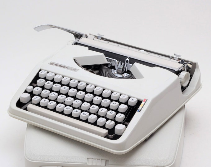 BEST GIFT! Typewriter.Company -HERMES Baby typewriter -  qwerty font -  portable - working typewriter - 1970s manual vintage