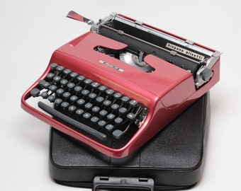 Best Quality! One Year Warranty! Original ElGranero's design OLIVETTI PLUMA22 coral red mint condition perfectly working vintage typewriter