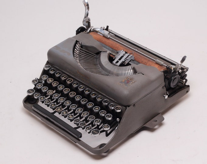 BEST GIFT! IMPERIAL The Good Companion Model1 - perfectly working vintage typewriter - Professionally Serviced - gift for a writer