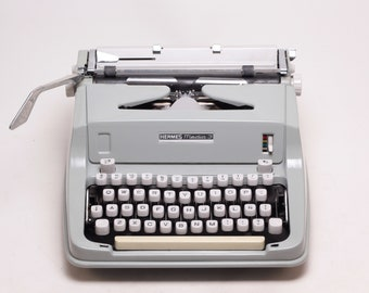 HERMES MEDIA 3 very good condition perfectly working vintage typewriter - Professionally Serviced - gift for a writer