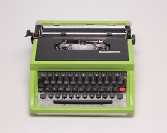 CUSTOM MADE Tropical OLIVETTI Dora / Lettera 31- highly durable car paint -green/black portable typewriter- rare typewriter- mint condition