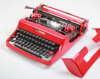 BEST GIFT! Typewriter.Company -  High durability red car paint - Olivetti Lettera 32  -Vintage portable working typewriter