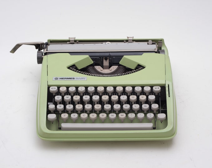 HERMES Baby typewriter -  green portable typewriter - working typewriter - 1970s manual typewriter- vintage - qwerty typeface