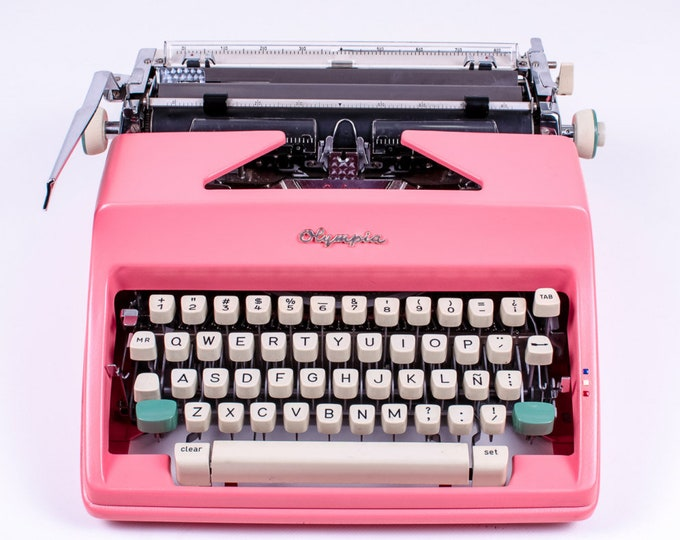 Typewriter.Company -Pink Olympia Monica sm9 - vintage working typewriter - pink typewriter - portable typewriter