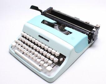 Olivetti Lettera 32 - custom two shades of blue- Vintage Typewriter -  Portable Manual typewriter - working typewriter - 1960s typewriter