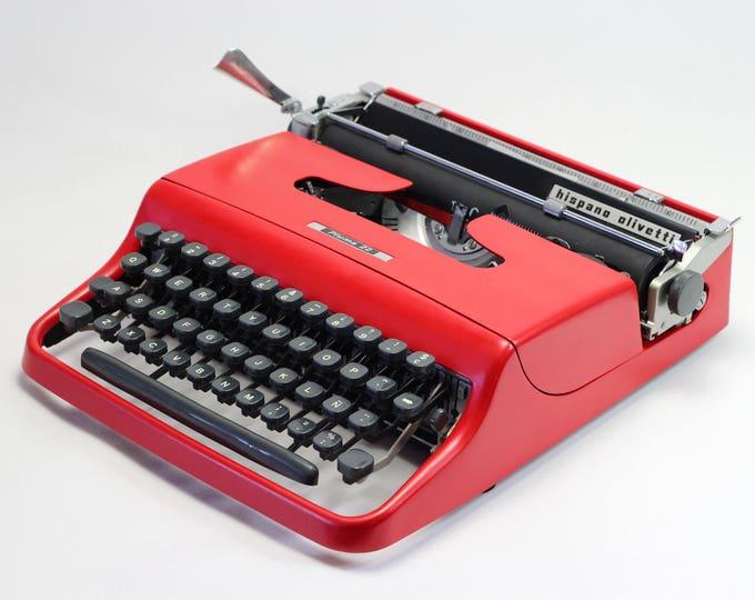 Typewriter.Company - Working typewriter - Red Typewriter Olivetti Lettera/Pluma 22  - Vintage Typewriter-  Portable Manual typewriter