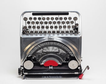 """LIMITED EDITION OLIVETTI Ico mp1  """"chrome"""" silver mint condition perfectly working typewriter- Professionally Serviced"""