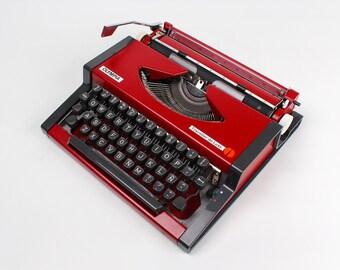 SALE - Cherry Red OLYMPIA TRAVELLER De Luxe  - Vintage typewriter - Portable typewriter - working typewriter -