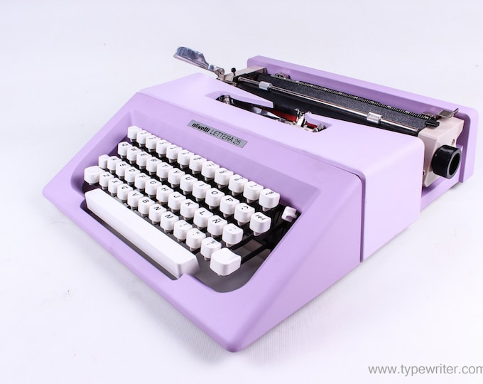 BEST GIFT! Typewriter.Company - Lettera 25 - lilac vintage typewriter - working typewriter - 1970s - working typewriter