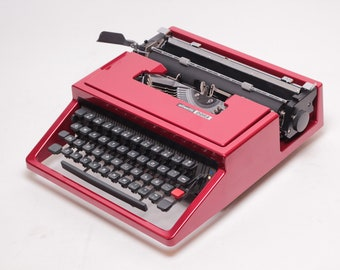 CUSTOM-MADE OLIVETTI Dora coral red mint condition perfectly working vintage typewriter - Professionally Serviced