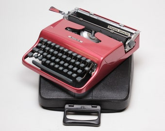 EXCELLENT OLIVETTI PLUMA22 coral red mint condition perfectly working vintage typewriter- Professionally Serviced- high durability car paint
