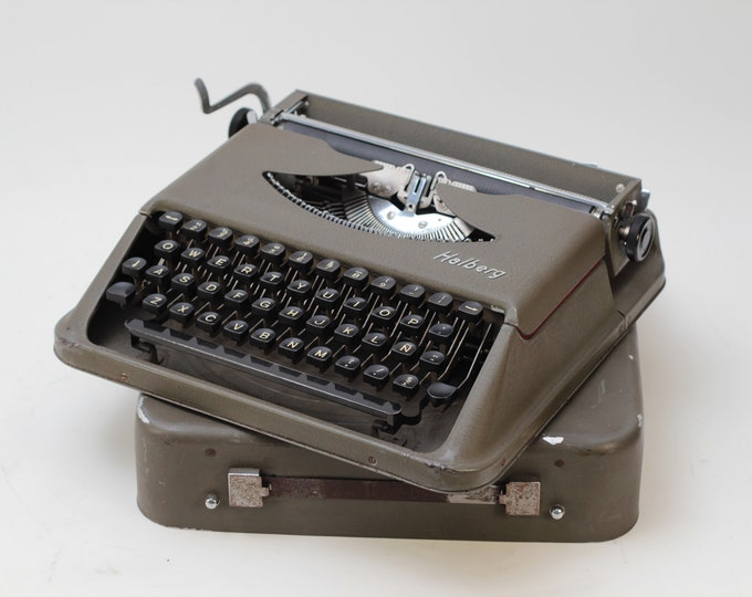 HALBERG EXTREMELY RARE perfectly working vintage typewriter - Professionally Serviced - gift for a writer