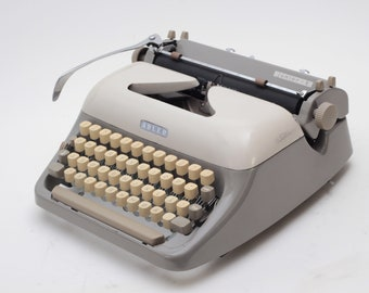 BEST GIFT! ADLER Junior-E  Danish/Norwegian qwerty perfectly working vintage typewriter - Professionally Serviced