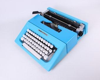 BEST GIFT! Typewriter.Company - Working typewriter  - Olivetti Lettera 25 - blue vintage working typewriter - Gift - qwerty