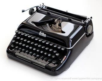 ERIKA Model 10 - mint condition perfectly working vintage typewriter - Professionally Serviced