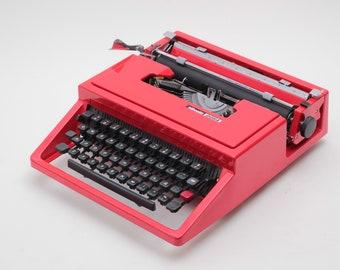OLIVETTI DORA aka Lettera 31- red portable typewriter - rare typewriter - perfect condition typewriter