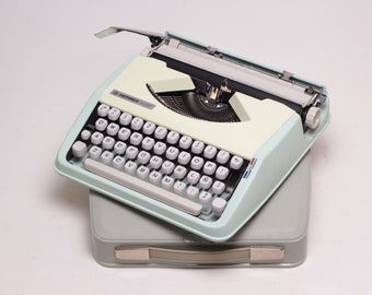 CURSIVE or TECHNO HERMES Baby - mint working perfectly portable typewriter - manual typewriter- qwerty- Fully Serviced