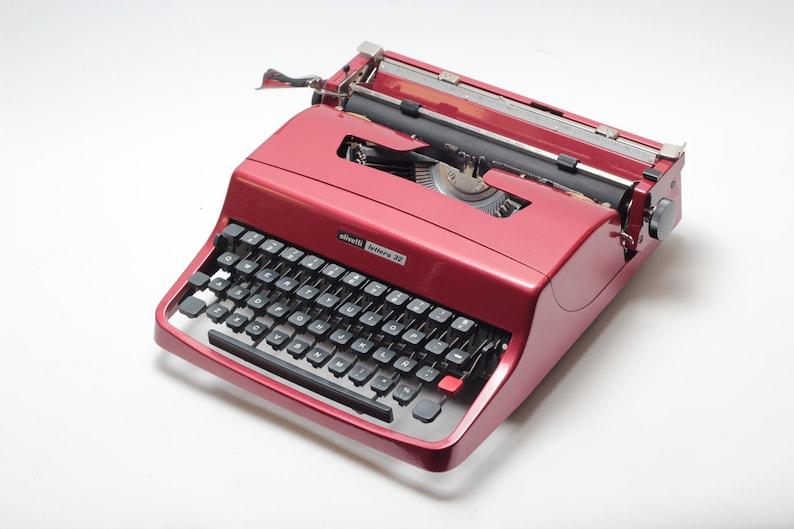 Vintage Typewriter Key Keychain,unique,antique,repurposed,recycled,vintage,repurposed,unique gift,industrial,steampunk