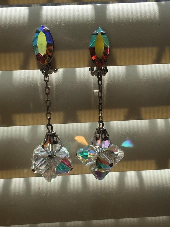 Dangling clip on earrings