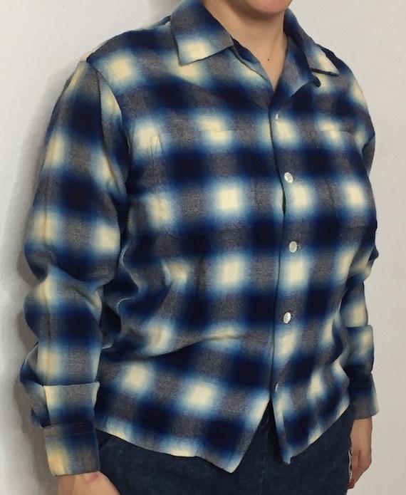 Plad button up shirt