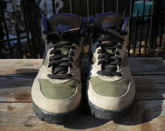 68f998c26321 Vintage 90 s Nike Hiking Boots Women s size 7 run small fit like a 6.5 Tan  Suede Khaki green Purple Nike Swoosh