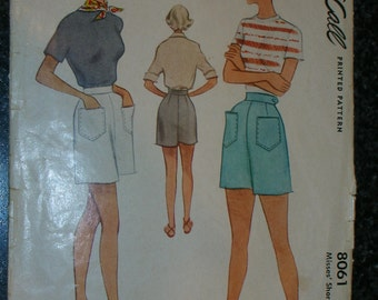 Great old 1950's McCalls sewing pattern for high waisted shorts.