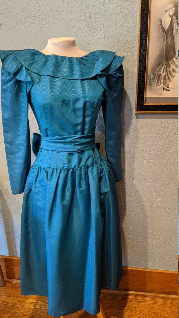 Halston III Moire Taffeta Prom Dress Size 4 Dark B