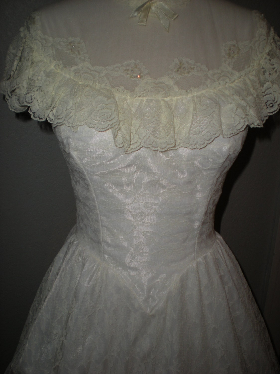 1970 S Southern Belle Wedding Dress With Chapel Length Train Size 9