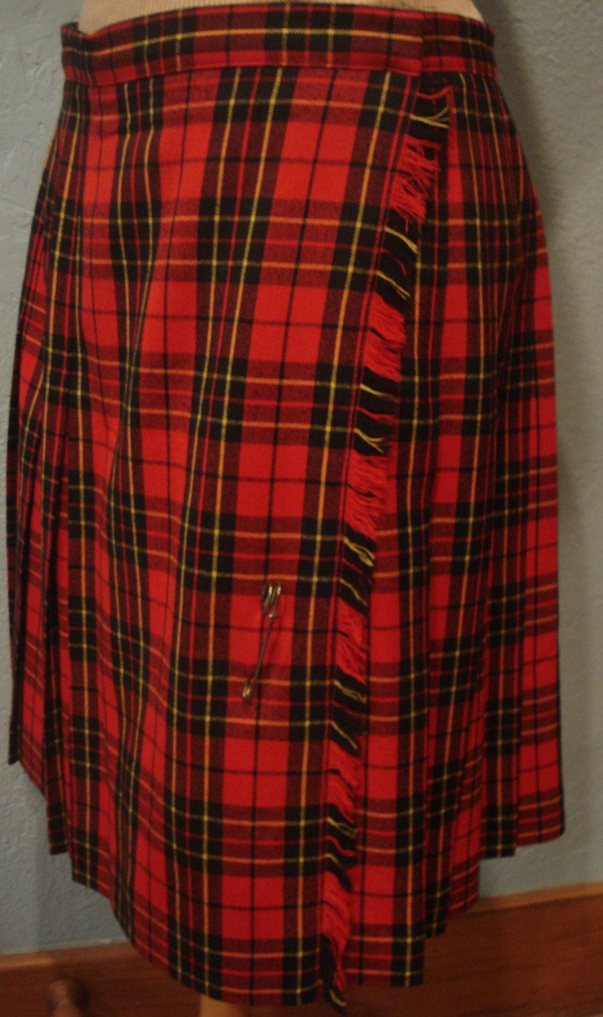 81decc7208 90's Traditional Tartan Plaid Pleated Wrap Skirt Size 14 100% Wool ...